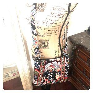 Vera Bradley cross body bag! Excellent condition.